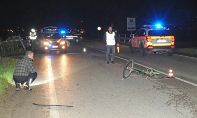 Roman pe bicicleta, accidentat in Italia