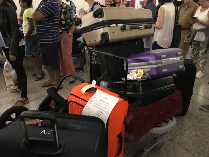 Români blocați pe aeroportul Stansted