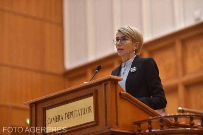 Raluca Turcan in Parlamentul Romaniei