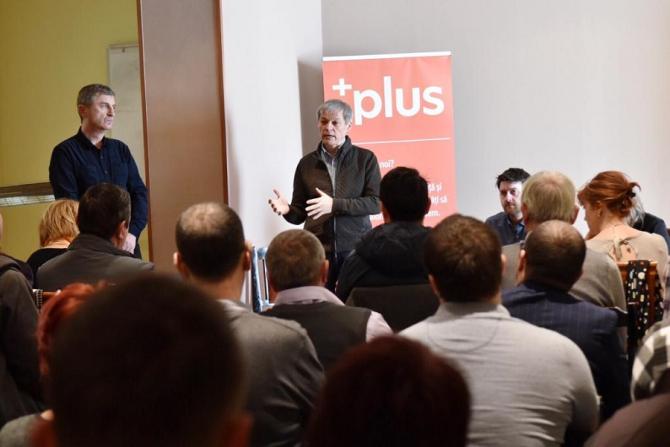 Cioloș, nehotărât pentru prezidențiale. Vrea să schimbe Constituția