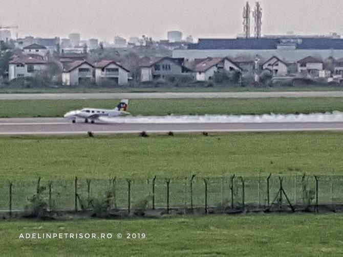 Aterizare de urgenta pe aeroportul Baneasa - sursa: Adelin Petrisor