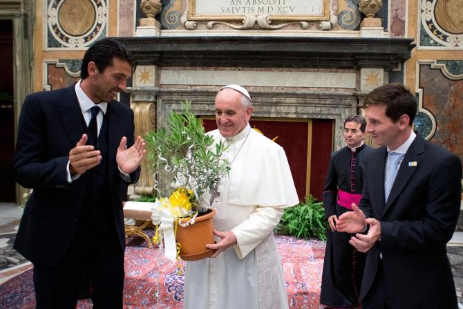 Messi vizita Papa Francisc