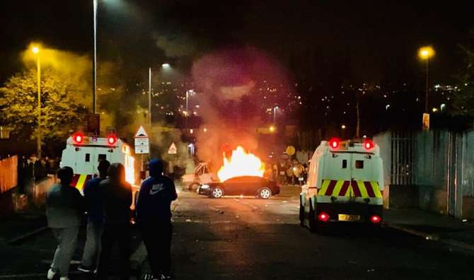 Schimb de focuri în Irlanda de Nord. sursa: Leona O'Neill / Facebook