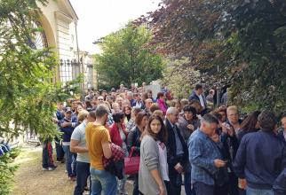 Coadă la secţia de votare din Chieri, Italia. Sursa foto: Alexandru Ioan Ionescu / Facebook
