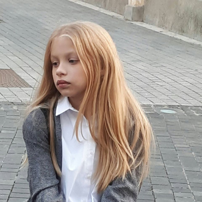 Carla Sabău, elevă româncă. Sursa foto: Facebook
