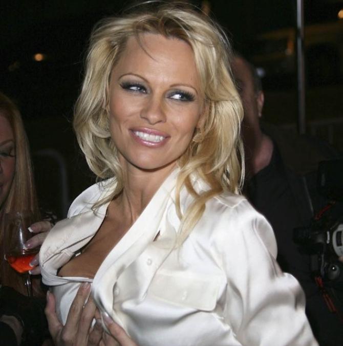 Pamela Anderson - actriţă americană
