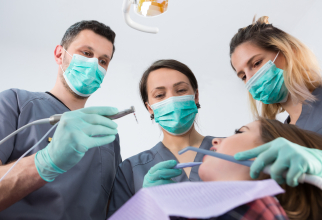 """Romanian dentists, among the best ranked, on the international market Photo: """"Romanian Medical Tourism Guide"""""""