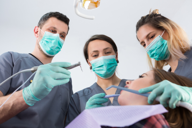 "Romanian dentists, among the best ranked, on the international market Photo: ""Romanian Medical Tourism Guide"""