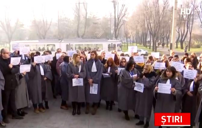 Proteste magistrati eliminare pensii speciale