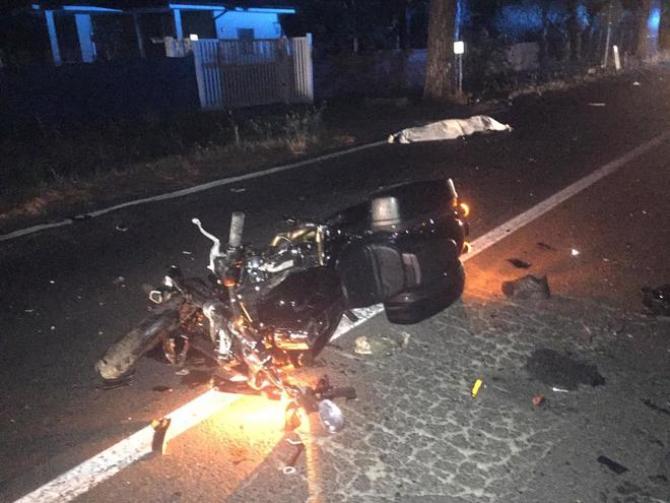 2. -imagine fara descriere- (accident_italia_doi_soti_morti1.jpg)