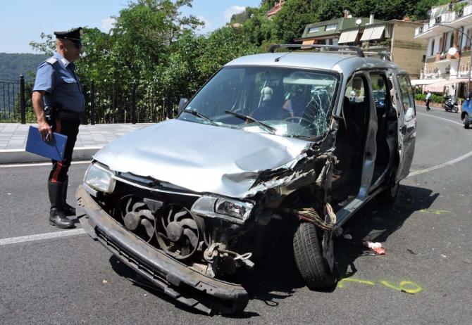 2. -imagine fara descriere- (iveco_italia_accident.jpg)