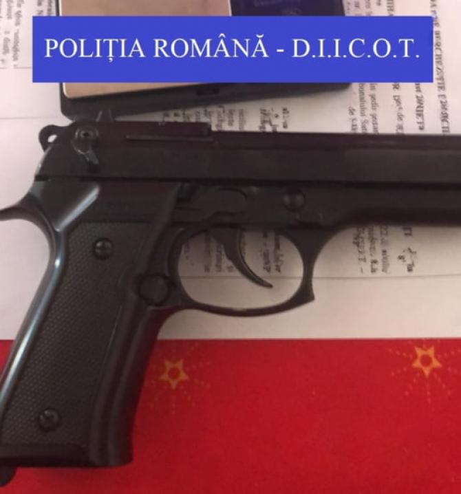 pistol_diicot