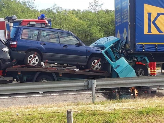 2. -imagine fara descriere- (accident_autostrada_1.jpg)