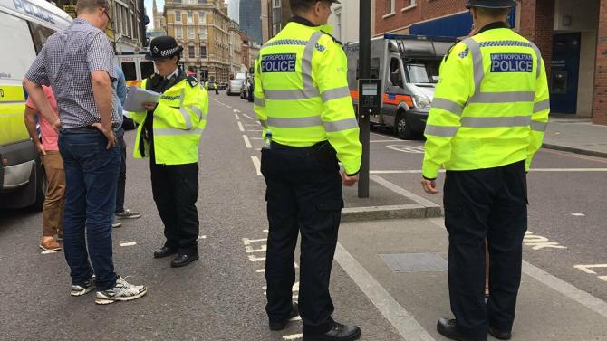 politisti_marea_britanie