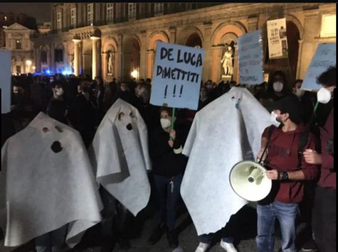 proteste_italia_napoli_octombrie