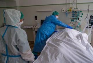 pacienti_covid_decese