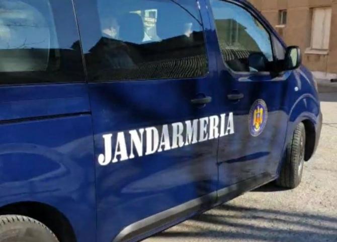 jandarmi_romani_masina