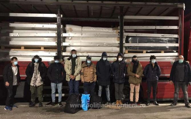 migranti_ascunsi_in_camion