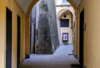 romanca_aruncata_inaltime_manastire_genova