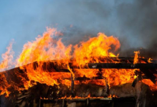incendiu_casa_barbat_mort_ilustrativ