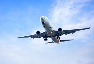Un tânăr de 16 ani, găsit ascuns la roata avionului, după un zbor de 8.000 de km