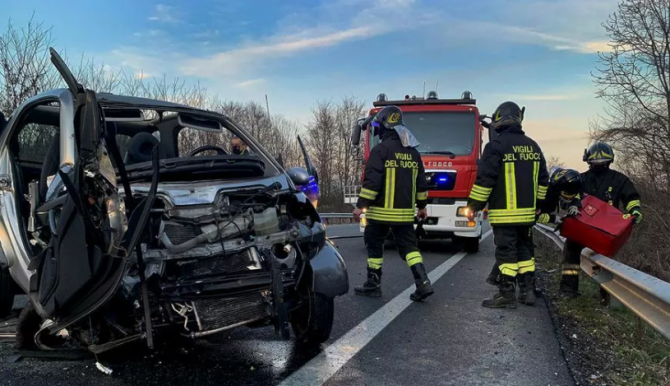 Accident grav in Italia. O româncă de 15 ani si-a pierdut viata (Foto: La Stampa)