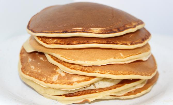 clatite-americane-pancakes-pufoase--reteta-simpla