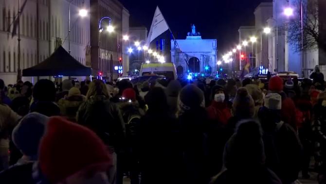 Germania. Sute de manifestanţi la Munchen împotriva lockdown-ului