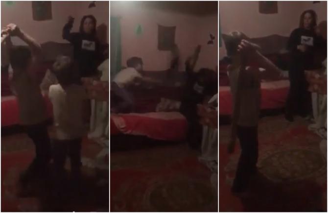 O mamă e bătută de copiii săi minori, spre amuzamentul tatălui. Totul a fost transmis LIVE pe Facebook