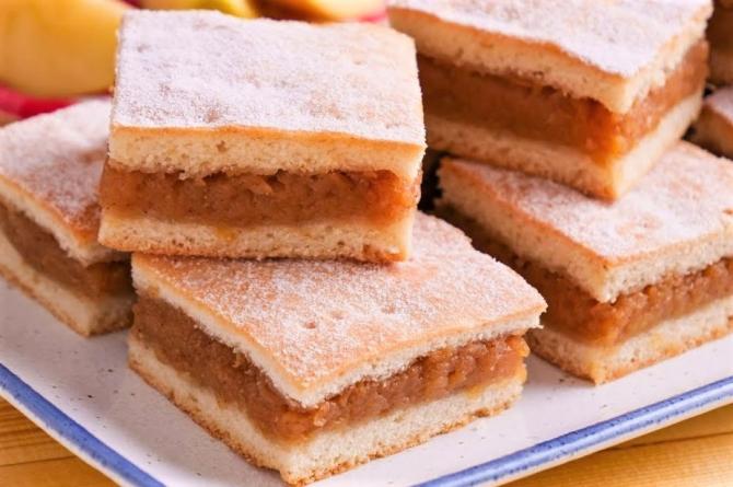Prăjitura cu mere pentru leneși. Rețeta simpla