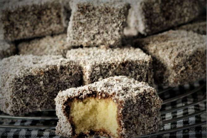Prăjitura tăvălită - rețetă ca la mama acasă