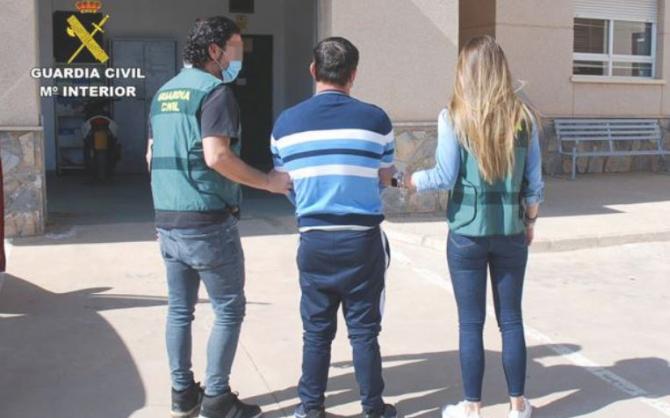 roman cautat de interpol arestat in spania