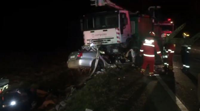 Românii morți sub roțile camionului de 26 de tone veneau din Germania: Șoferul a intrat cu viteză pe contrasens