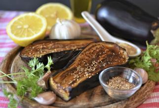 Baba ganoush, salată de vinete arăbească, din doar 5 ingrediente: O savoare de neegalat pe care neapărat trebuie să o încerci