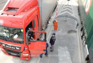 camioane la granita cu ungaria