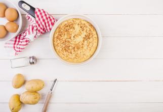 Plăcintă de cartofi în straturi, absolut minunată, gustoasă și foarte fină