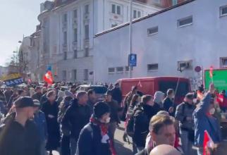 Proteste față de restricții în capitalele din Europa. Mii de oameni au ieșit în stradă