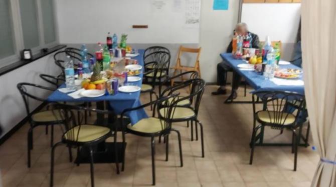 Cei 20 de români amendați participau la o pomană (Foto: genova24.it)