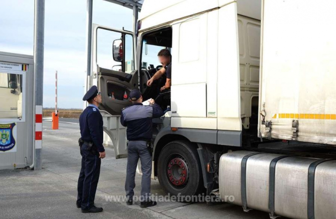 camion oprit la froniera romaniei control