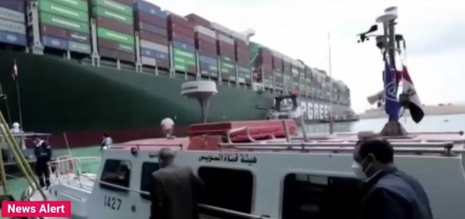 Cel puțin 130.000 de animale vii din România riscă să moară în zona canalului Suez, după ce navele au rămas blocate