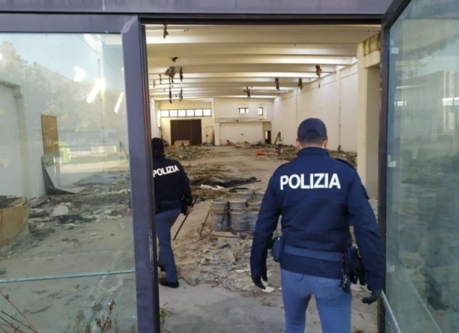 italia imobil ocupat abuzit de romani
