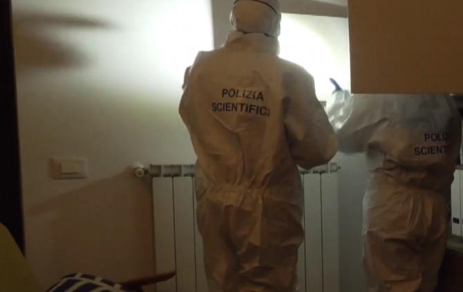 """Italia. Român, găsit mort într-un bloc: """"Ajutor! Este un cadavru pe hol!"""""""