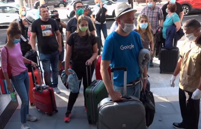 Mii de germani au plecat în vacanţa de Paşti în Mallorca în acest weekend