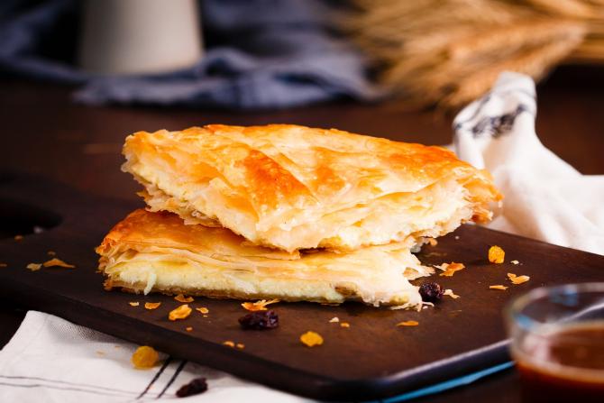plăcinta bulgăresca cu brânză