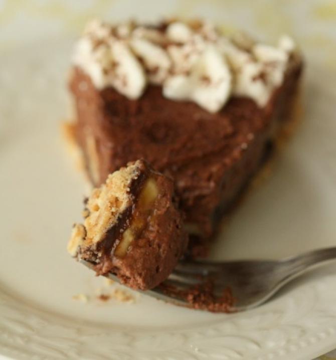 Plăcintă cu ciocolată neagră şi banane caramelizate (sursa foto: Flickr)