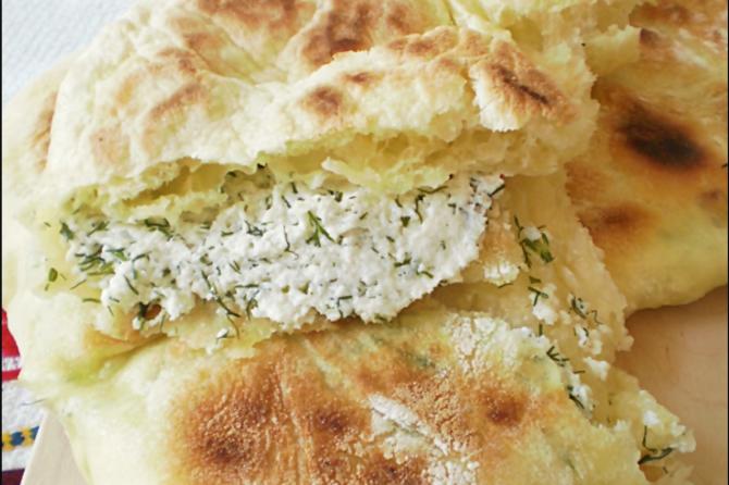 Plăcinte cu urdă și mărar - Rețeta tradițională din Bucovina