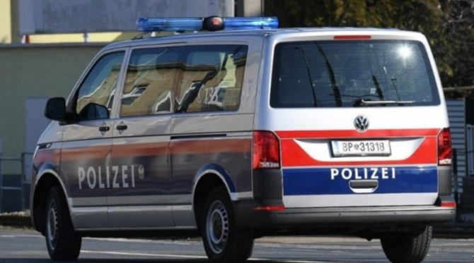 politia austria romani hoti retinuti