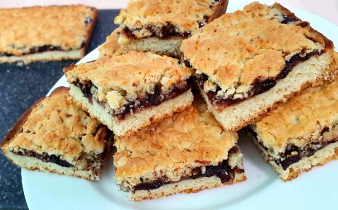 Prăjitura puturosului, de post, deliciul din 3 ingrediente: Simplu, ieftin și rapid