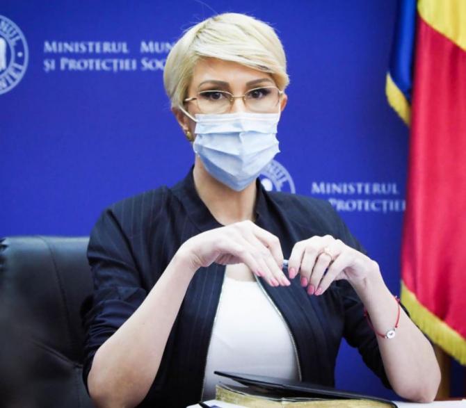 """Raluca Turcan: """"Doar 37 de bone în toată România au contract"""" Proiecte pentru reglementarea ocupaţiei de bonă"""
