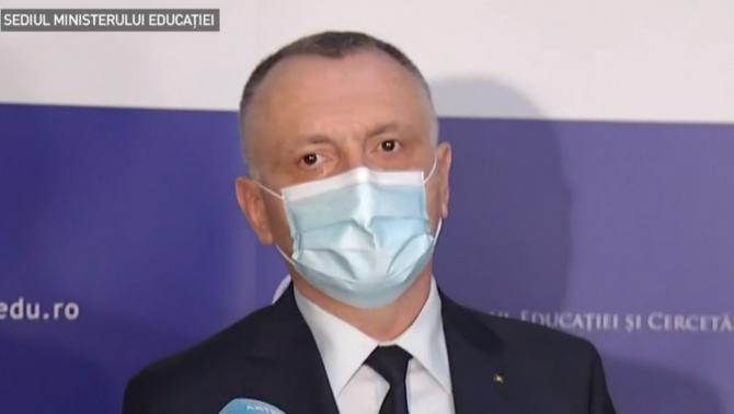 """Sorin Cîmpeanu: """"Vacanța de primăvară, prelungită. Anul școlar se va încheia în 25 iunie"""""""
